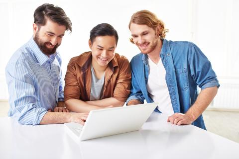 "<a href=""http://www.freepik.com/free-photo/smart-businessmen-discussing-the-project-on-laptop_864876.htm"">Designed by Freepik</a>"